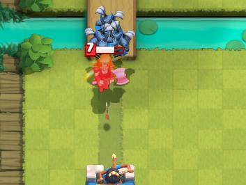 Clash Royale Valkyrie vs Minions