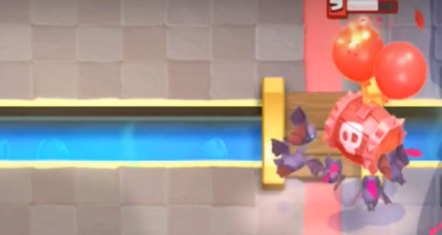 Skeleton Barrel vs Bats Clash Royale